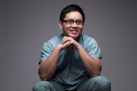 """龚晓明:把患者叫做""""客户""""的新型医生"""