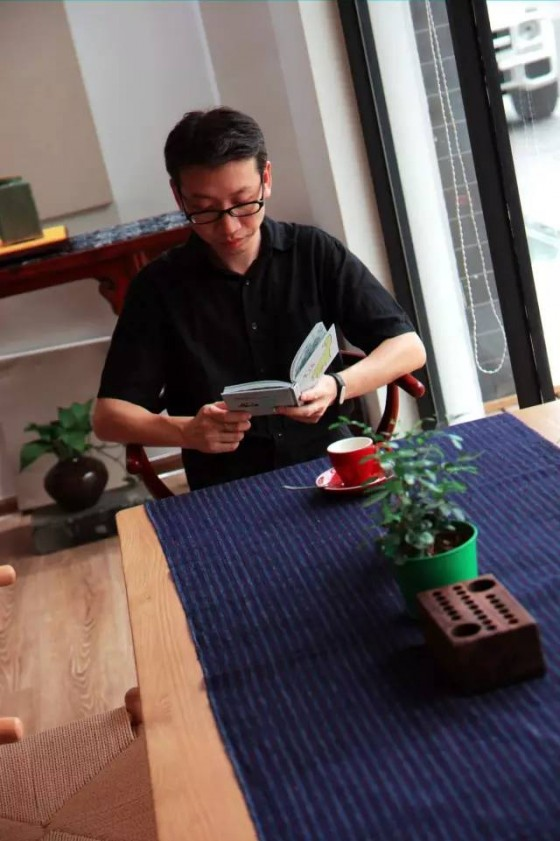 于想:经过崩塌期成长的男孩,在苏州开一家民国书社