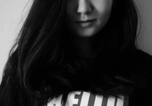 我是范范,故事是我的仙女棒、拼图和镜子