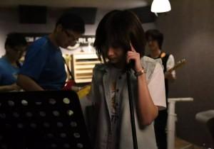 在上海闹市开地下摇滚排练室的老板,原来是这样一群三明治