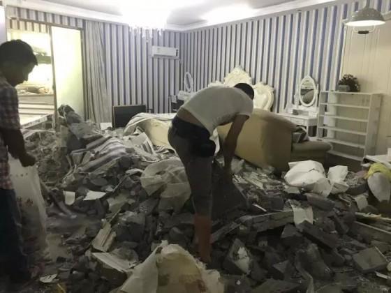 我租的违建房子一夜之间被拆了,一周后又重建如初